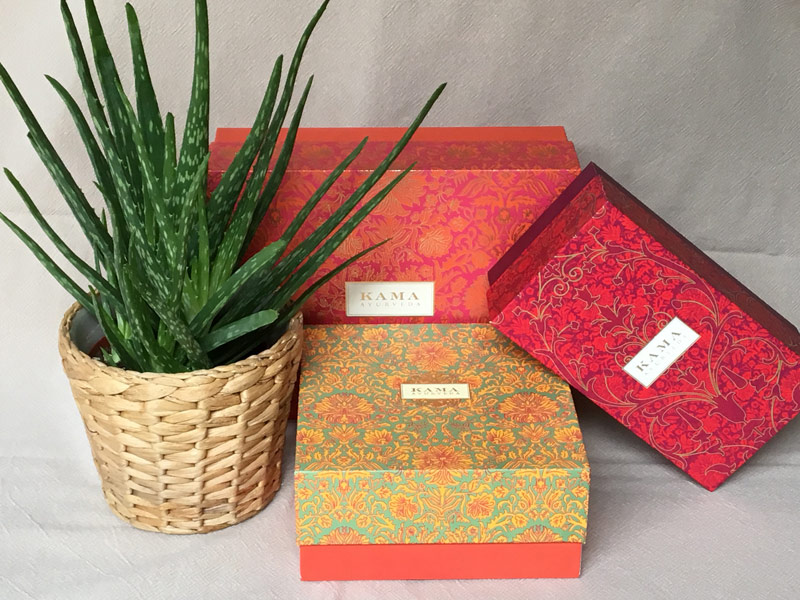Gift boxes popup store